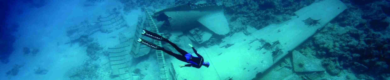 Фото фридайвинг над затонувшим самолётом