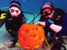 Подготовка к Хэллоуину под водой