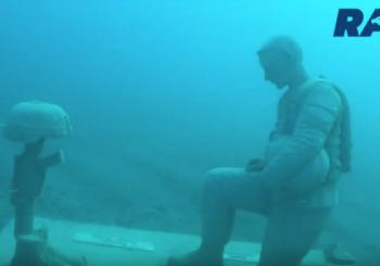 Подводный военный мемориал для дайверов