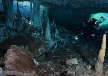 Археологи обнаружили древнюю шахту, в которой добывали охру