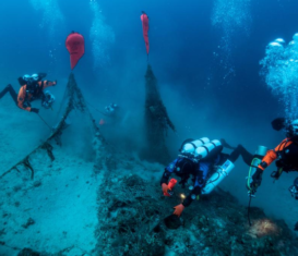 Дайверы достали брошенные рыболовные сети с подводной лодки, затонувшей в 1941 году