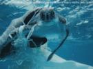 Спасение морской черепахи запутавшейся в пластике